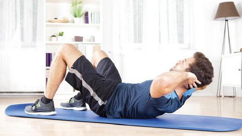 Gập bụng tăng cường sức mạnh, sự dẻo dai cho nam giới