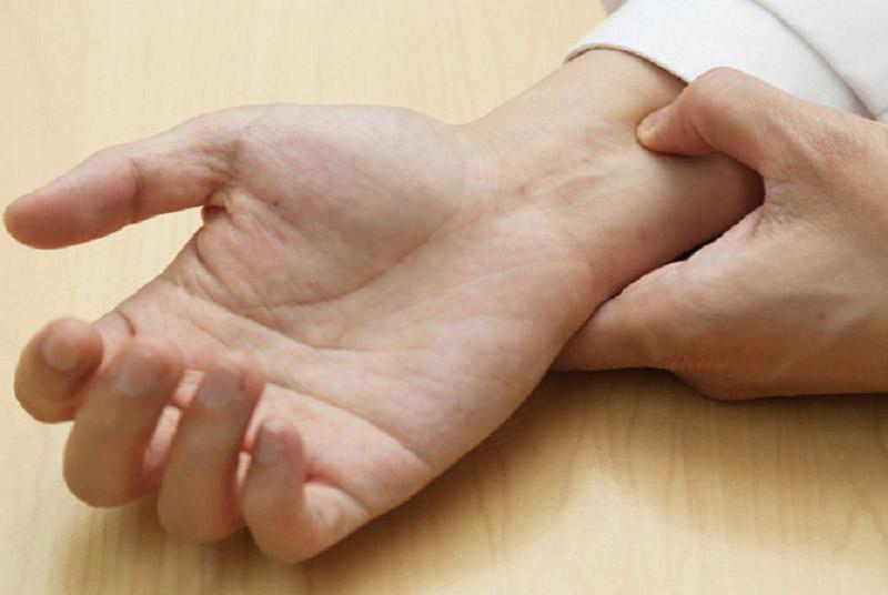 Mẹo bấm cổ tay trị bệnh hiệu quả