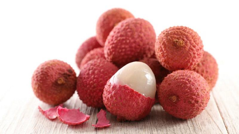 Quả vải là loại trái cây có mùi vị thơm ngon, hấp dẫn và hoàn toàn có thể ăn trực tiếp