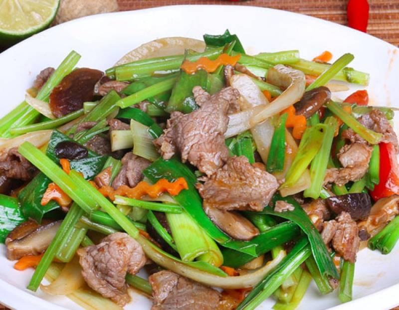 Thịt bò xào tỏi món ăn chứa hàm lượng dinh dưỡng cao