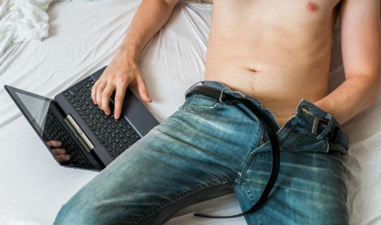 Thủ dâm quá nhiều là một trong những nguyên nhân gây xuất tinh sớm