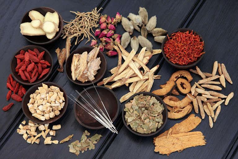 Đông y trị bệnh trên nguyên tắc triệt tiêu từ gốc