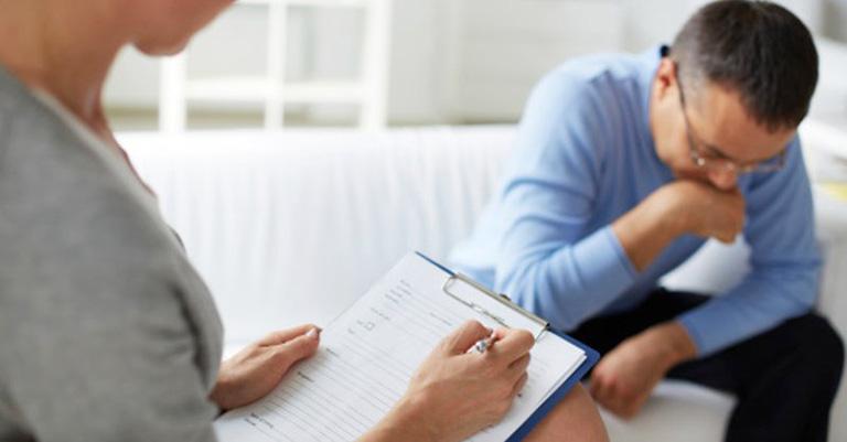 Thăm khám, chẩn đoán tại cơ sở uy tín để có hướng xử lý đúng nhất
