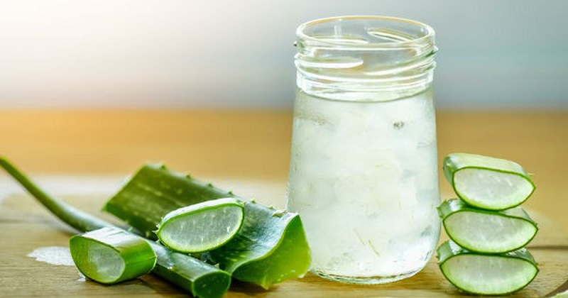 Nước ép nha đam tuy có vị hơi khó uống nhưng hiệu quả điều trị rất tốt