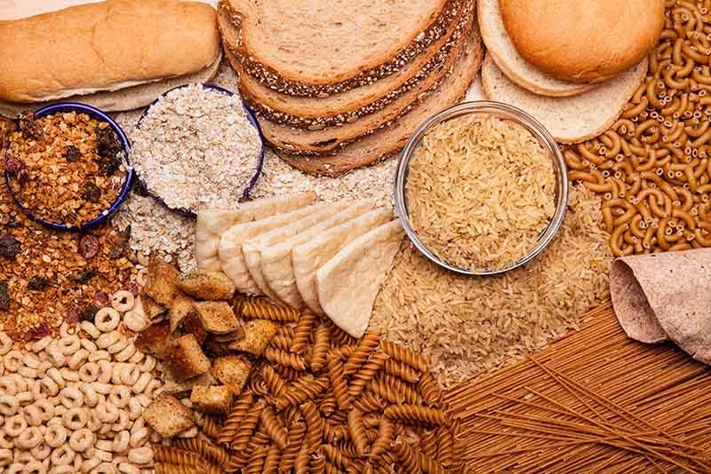 Tinh bột có thể bổ sung từ các thực phẩm như cơm, ngô, đỗ đen…