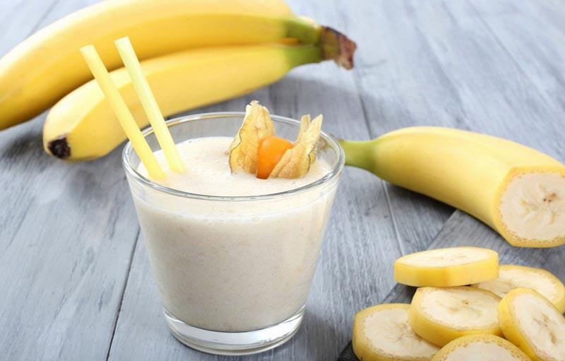 Chuối kết hợp với sữa tươi và mật ong còn là món ăn bổ dưỡng