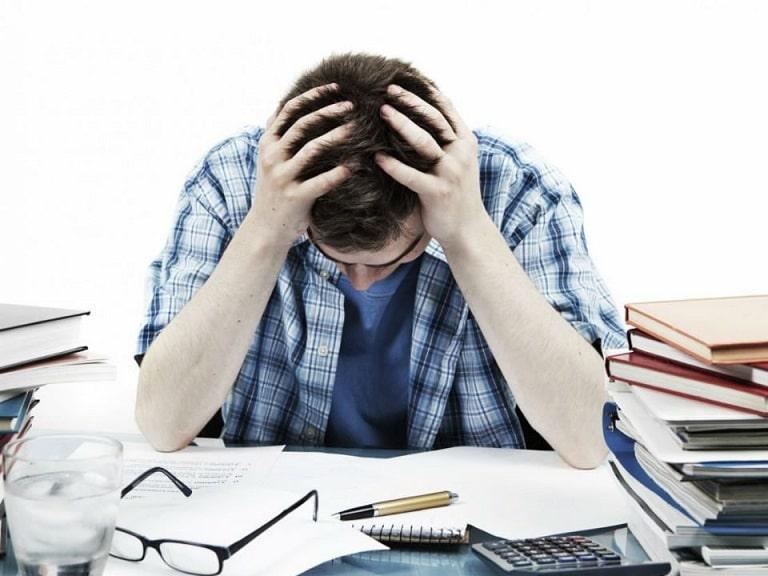 Công việc nhiều áp lực, căng thẳng khiến anh Quỳnh mệt mỏi