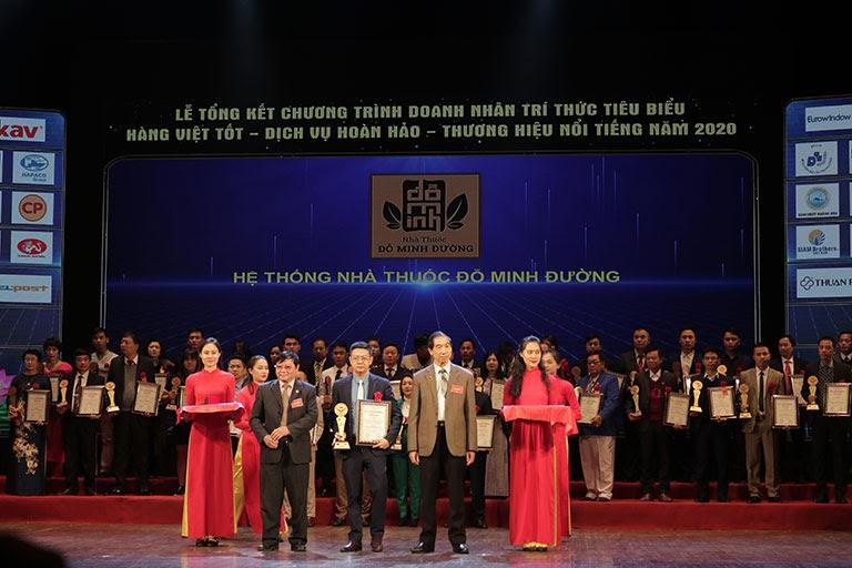 Đỗ Minh Đường nhận nhiều giải thưởng cao quý